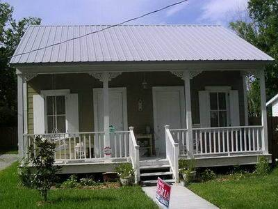 Architectural styles creole cottage hancock county for Cajun cottages